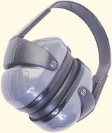 Gehörschutz tragen bei Arbeiten in lauter Umgebung oder mit lauten Maschinen - auch beim Heimwerken